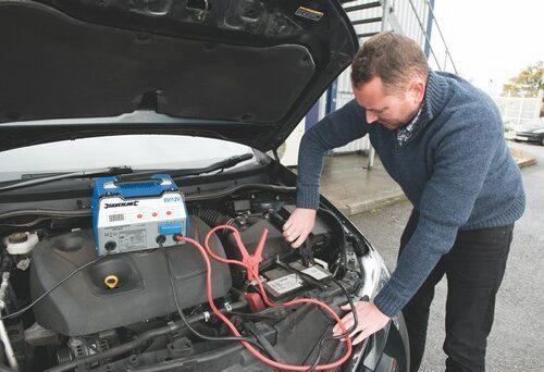 Automatische accu starter/lader, 12 A, 6/12 V